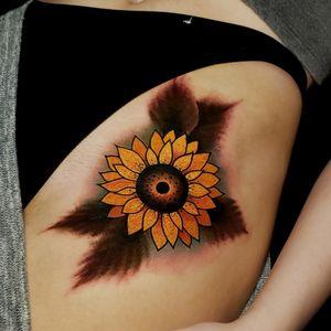 Sunflower Tattoo  . . . #tattoo #tattoos #tattooartists #tattooartist #dfw #dallas #denton #lewisville #neotraditionaltattooers #neotraditionaltattoo #rebelmusetattoo #benamostattoos #dallastattooartist #flowermound #realtradism #realismtattoo #sunflowertattoo #sunflower