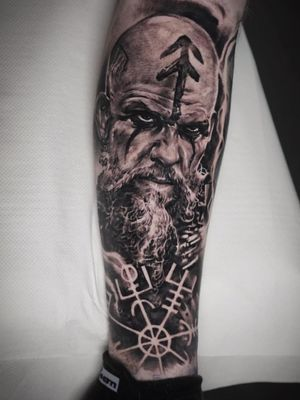 """""""Warriors don't show their heart until the axe reveals it."""" ⚔️🛡 Amazing portrait of Floki from Vikings, tattooed by Edgar!"""