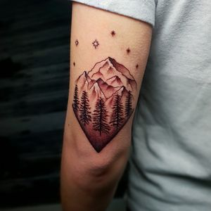 Really enjoyed this simplistic mountains and stars piece I done a while back