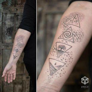 By #pejczi #4 elements #fourelements #geometric #dotwork