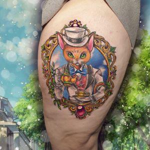 𝕋𝕙𝕖 ℂ𝕒𝕥 ℝ𝕖𝕥𝕦𝕣𝕟𝕤 🐱 #thecatreturns #katzenbaron #cat #fancy #fancycat #thightattoo #ghiblitattoo #ghibli #anime #animetattoo #semirealalistic #semirealism #cattattoo #tea #teatime #colortattoo #legtattoo