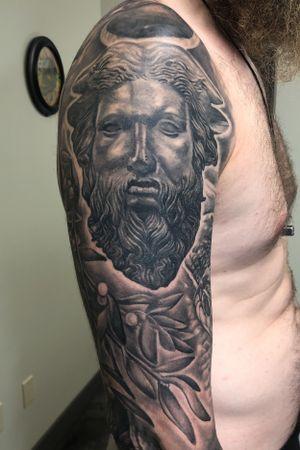 A Cernunnos and mistletoe , part of Davids Celtic sleeve.. #realism #statuetattoo