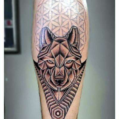 #antoniomai #amaitattoo #losangeles #Tribal #Polynesian #Maori #Samoan #Geometric #DotWork #BlackWork #OldSchool #Traditional #Japanese #Irezumi #FineLine #Ornamental #wolf