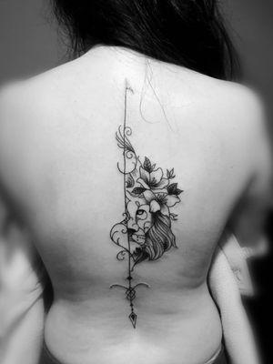 #tattoo #lines #lion #flowers Gracias @Mich Márquez #tatuaje de #Leon y #flores #jaser #tattoo #ink #inkedgirl