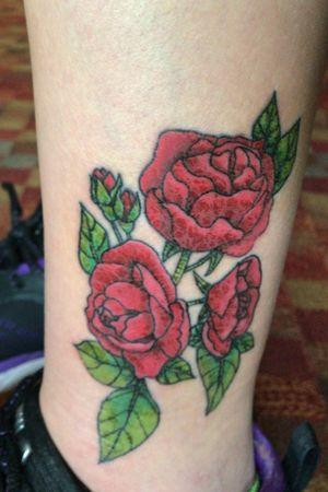 rosas... tattoo colorida