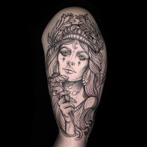 Work in progress tattoo by Maria Dolg #MariaDolg #wiptattoo #wip #workinprogress #inprogresstattoo #unfinished #linework #portrait #ladyhead #upperarm #lady #queen #crown #neotraditional #flower