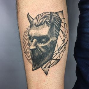 🐓 Ghost para @francobevilacqua74 🐓 -@hunchtattoo . . . . . . #lagallinatattoo2019 #lagallinatattoo #tattoo #tattoos #tatuajes #tatuaje #dotworktattoo #dotwork #lineworktattoo #linework #fineworktattoo #finework #geometrictattoos #geometric #geometry #buenosaires #buenosairestattoo #ghost #thebandghost #thebandghosttattoo #tattrx #tattrxartist #blackwork #blackworktattoo #🐓