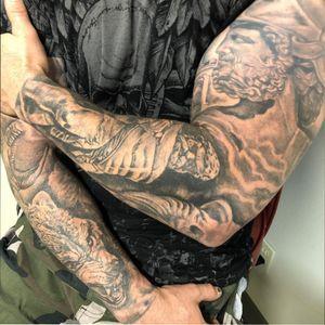 Sleeves by me #blackandgret