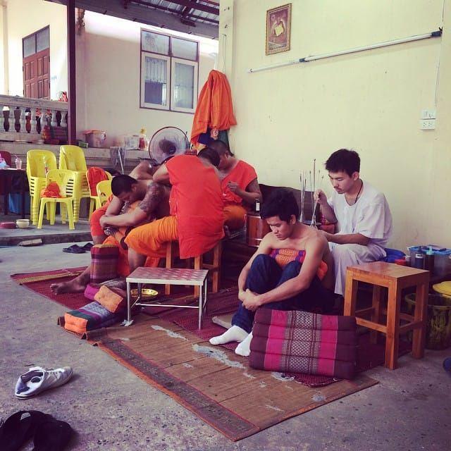 Wat Bang Phra monks tattooing - photo by Justine Morrow #watbangphra #sakyant #sakyanttattoo #thailand #bangkok #bangkoktattoo #symbol #amulet #powerful #sacred #linework #dotwork #tebori