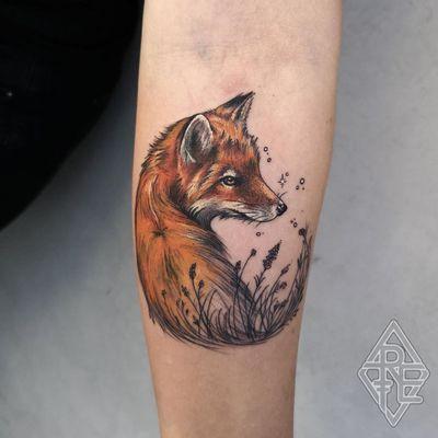 Fox tattoo by Rachel Entartet #RachelEntartet #foxtattoo #foxtattoos #fox #kitsune #animal #nature #forearm #forearmtattoo #illustrative #flowers #floral #stars #color
