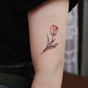 Tulip tattoo by Grey Un #GreyUn