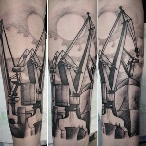 A bit different style for me, but a lot of fun, want to do more like this! #black #blackink #blackarts #blackart #superbtattoos #bngtattoos #bng #shipyard #whipshaded #whipshading #blackworkers #blackwork #tattooidea #blackandgrey #blackandgreytattoo #graphic #sketchstyletattoo #sketchstyle #graphictattoo #linework #linetattoo