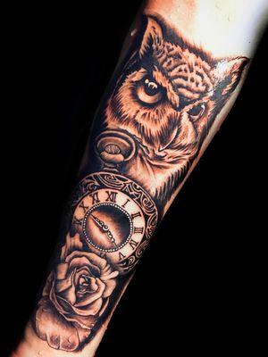 Tatuaje Buo ,reloj rosa #tatuaje#tatuajebuo#tatuajereloj#tatuajerosa#tatuajebarcelona#tattoo#tattooowl#tattooclock#tattoorose