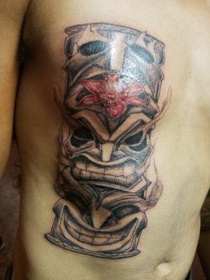 #hawaiiantattoo #tikigod #toetempoletattoo #etheartist #yeswork #tattoos #slanginink #spektraxion #empireink #hivecaps #blackandgreytattoo