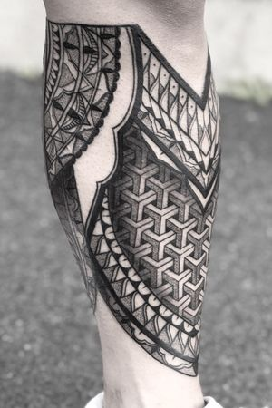 More added to this leg piece! #ornamentaltattoo #mandalatattoo #mandala #dotwork #geometric