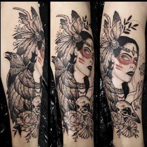 #nativeamericantattoo #nativeamerican #nativeamericangirl #crowtattoos #crowskulltattoo #shamanism #witchcraft #witchtattoo