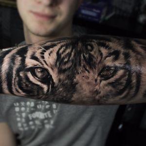 Tiger eyes #michaldetka #tabascoink #uktatts