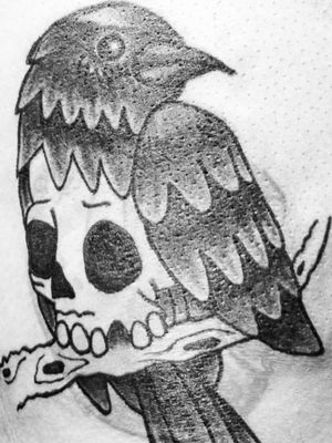 Blast tattoo. Crow and skull. #crow #raven #tattoo #blast #cover #covertattoo #blasttattoo #blacktattoo #animaltattoo #animal #tatuaje #tatouage #skull #oiseau #bird #ave #paris #france #francia