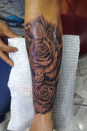 💥soccer roses😄 🍃Citas disponibles🍃 📱Wsp: (+57) 311 811 9846 🏠Calle 59c sur # 49-08 Segundo piso Barrio Coruña • • • #tattoo #tattooblackangrey #tattooroses #tattoochampions #soccertattoo #tattooart #tattooartistmagazine #TattooWork #bogotacity #bogota🇨🇴 #bogotacolombia #bogotattoo #bogotart #tatuadorescolombianos #tattooaddiction #tattoocommunity #colombiart #colombiatattoart #colombiaink #Colombiatattoo #colombiainktattoo #Colombianartists #colombiantattooers #colombia