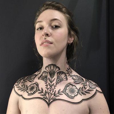 This weeks favorite tattoo by Ciara Havishya #CiaraHavishya #favoritetattoos #besttattoos #awesometattoos #tattooidea #cooltattoos #uniquetattoos #tattooinspiration #floral #ornamental #flower #necktattoo #chesttattoo