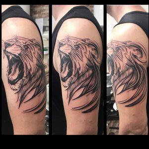 A badass lion today! 🦁 . #fbitattoolondon #lineworktattoo #lion #liontattoo #blackworktattoo #blackworkers #roar #tattoodo #girlswhoink #girlswithink #tattoodesign #tattoo #cheyennetattooequipment #cheyennehawk #customtattoo #tattoolondon #londontattoo #enfield