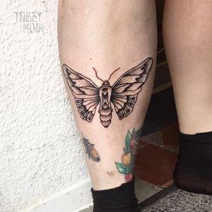 #tattoo #tatuajes #tatovering #ttt #inked #black #ink #blackink #blackwork #lines #butterfly #moth #berlintattoo #tattooberlin