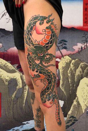 Dragon #italianjapanesetattoo #top_class_tattooing #japanart #topttattooing #topclasstattoing #bright_and_bold #americanatattoos #italian_traditional_tattoo #friendship #realtraditional #inked #oriemtaltattoo #tattoo #tattooes #tattooitaly #convention #tattoolife #tattoolifemagazine #inkart #tattooartistmagazine #bologna #tattoobologna #bolognatattoo #horrorvacuitattoo #tatuaggibologna #inkdometattoos #japanesetattoo