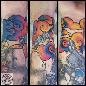 We keep going to complete this half arm with originality and different styles... ❤️ 😉💕😉❤️😉💕😉❤️😉💕 #tattoo #tatuaje #tatouage #cloudtattoo #tatuajenubes #tatouagenuages #tatuajenube #tatouagenuage #asiancloudtattoo #tatuajenubesasiaticas #tatouagenuageasiatique #cloud #nube #nuage #nubes #nuages #colortattoo #colortattoos #tatuajeacolor #tatouagecouleurs #tattoocolor ##tattooscolors #tattoodo #tattoolover #tattoolovers #ferneyvoltaire #tattooferneyvoltaire