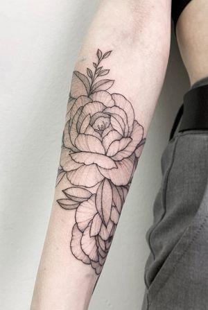 #flowertattoo #blackandgray #floral