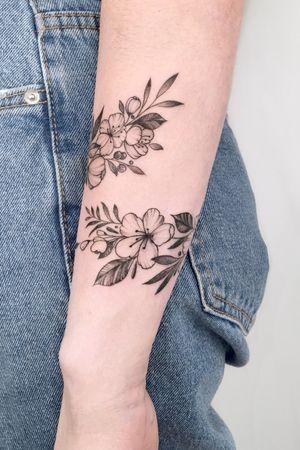 #crushonline #flowers #nature #bracelet #cherryblooming