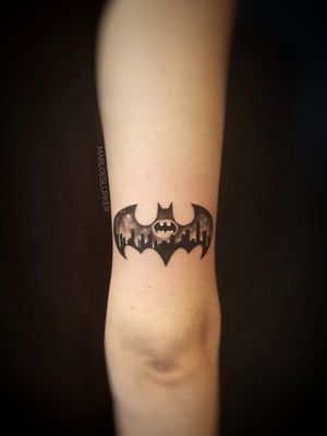 #batman #gotham #batmanlogo #blackandgrey #comics #gothamcity #iamthebatman