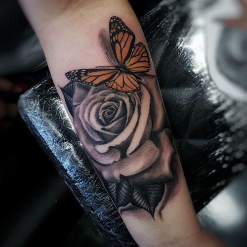 @Down4ink realist rose and Monarch Butterfly @peakneedles @painfulpleasures @recoveryaftercare @bishoprotary #bishop #bishoprotary #down4ink #blessed #tattoolife #tattoo #tattooartist #akirons #escondido #vista #sanmarcos #oceanside #nationalcity #sandiego #tribalrootstattoo #realismtattoo #blackandgrey #radtattoos #teampeak #peakneedles Tribal Roots Tattoo 935 W Mission Ave #G  Escondido Ca 92025 818.612.2322