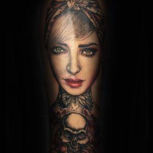 #Trachic Tattoo : Private tattoo studio in Brussels. #illustrative work #portrait tattoo #fine work #fine art #best tattoo Brussels #tattoo artist #flower tattoo #dark tattoo
