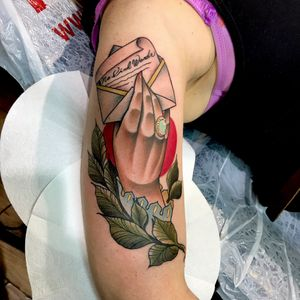 No kind Words #neotraditional #handtattoo #lettertattoo #colour #tattoo