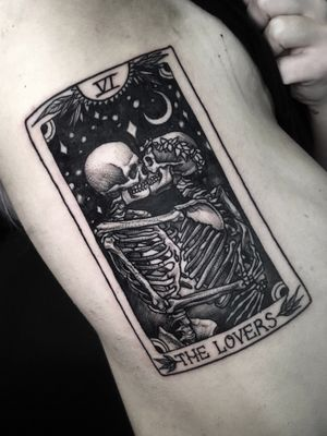 """The lovers"" tarot card. #thelovers #betty #tarot #tarotcard #skeleton #kiss"