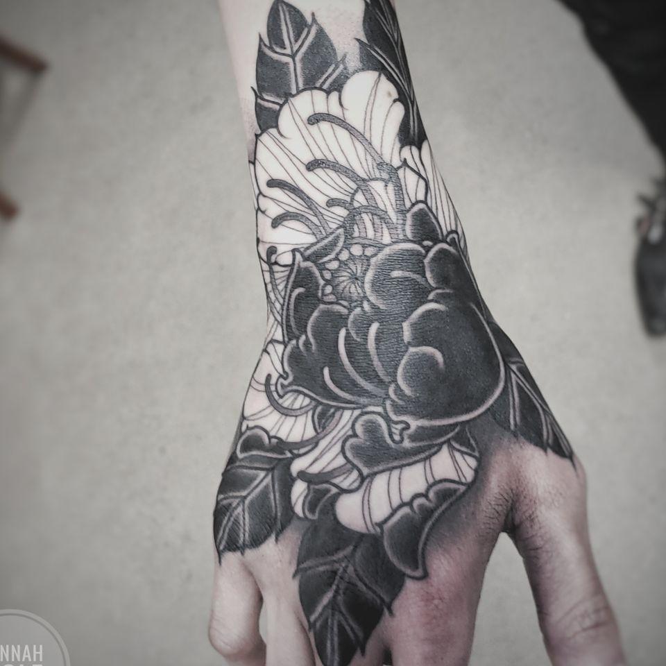 blackwork peony - Tattoo by Hannah Wolf #HannahWolf