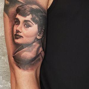 audrey hepburn black and grey portrait