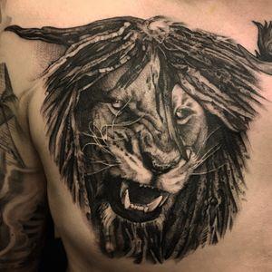 Black & grey lion with dreadlock hair #tattooartist #inked #skinart #berlintattoo #blackandgrey #blackandwhite #lion #chesttattoo