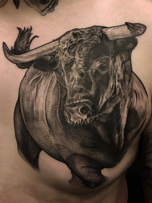 Black & Grey Bull #bull #tattooartist #blackandgrey #blackandwhite #chesttattoo #berlintattoo