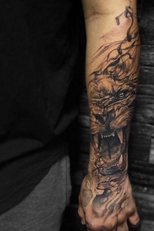 #surreal #blackandgrey #lion #portrait #wildlife #forearm #hand #floridatattooartist