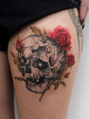 Beautiful tattoo by Deborah Genchi #DeborahGenchi #debartist #unique #illustrative #watercolor #color #skull #death #roses #flower #floral #upperleg #leg