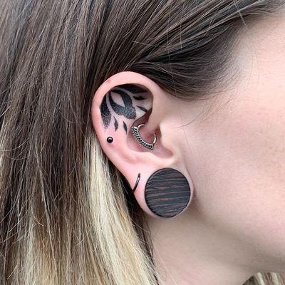 Ear tattoo by Tamara Lee #TamaraLee #blackwork #dotwork #pattern #ear #tribal #neotribal #floral #ornamental #tattoodo #tattoodoapp #tattoodoappartists #besttattoos #awesometattoos #cooltattoos
