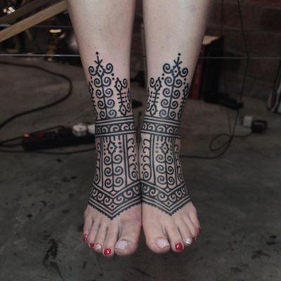 Foot tattoo by James Lau #JamesLau #blackwork #tribal #neotribal #pattern #folkart #foot #ornamental #floral #dotwork #spiral #shapes #tattoodo #tattoodoapp #tattoodoappartists #besttattoos #awesometattoos #cooltattoos