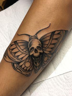 Death moth - by @ankhrenan