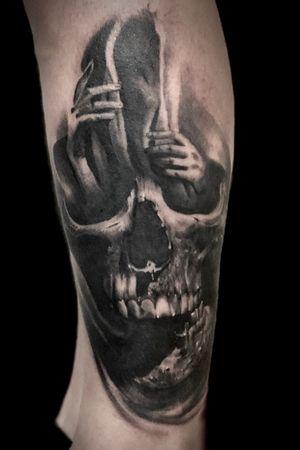 #skull #theskulls #skulltattoo  #blackandgrey #bishoprotary #bishopbrigade #tattoodo #tattoo #realistictattoo #ink #inked #inkedup #blackandgreytattoo #sandiego #sandiegotattoo #portrait #realism #bng #art #tattooer #tattoocollector #chicano #love #tattooing #smooth #guestspot #guestartist #diegoperugini