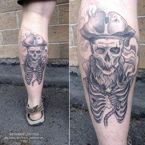 #skulltattoo #tattoo #tattooartist #piratetattoo #deathtattoo #deadpirat #graphictattoo #dotwork #whipshading #ksennie_tattoo