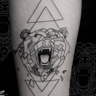 Instagram: @rusty_hst Custom geometric bear #fineline #linework #geometeic #bear