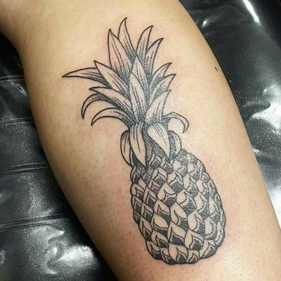 Pineapple for Paola.. #pineapple #pineappletattoo #dotwork #dotworktatoo #animaltattoo #blackandgrey #blackandgreytattoo #webofwyrd #wayofwyrd #rune #runes #runetattoo #norse #norsetattoo #viking #vikingtattoo #pict #picttattoo #pagan #pagantattoo #heathen #heathentattoo #woad #woadtattoo #woadblue #blackwork #blackworker