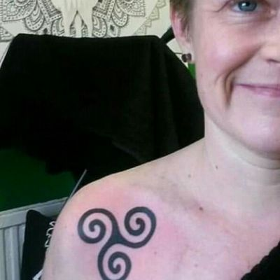 Triskilion for Emily.. #webofwyrd #wayofwyrd #rune #runes #runetattoo #norse #norsetattoo #viking #vikingtattoo #pict #picttattoo #pagan #pagantattoo #heathen #heathentattoo #woad #woadtattoo #woadblue #blackwork #blackworker