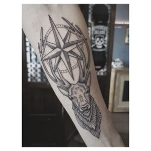 Stag and compass for Alex 🧭